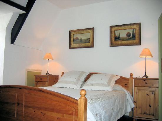 La Lanterne : The Bedroom