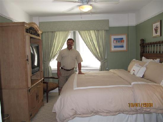 Bradley Park Hotel Very Plush Bed