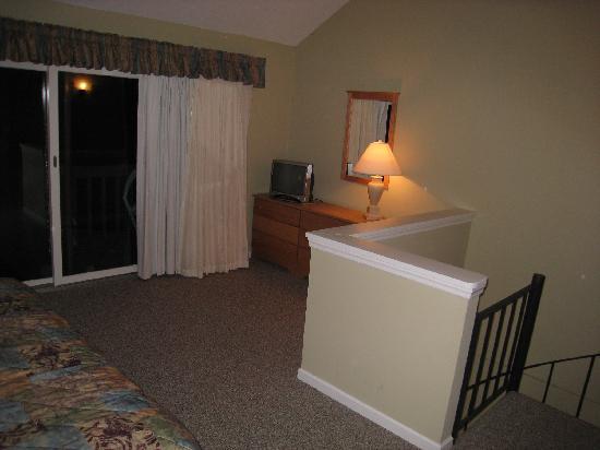 Tanglwood Resort: 2nd floor bedroom