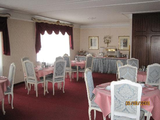 Pension Suzanne: The breakfast room
