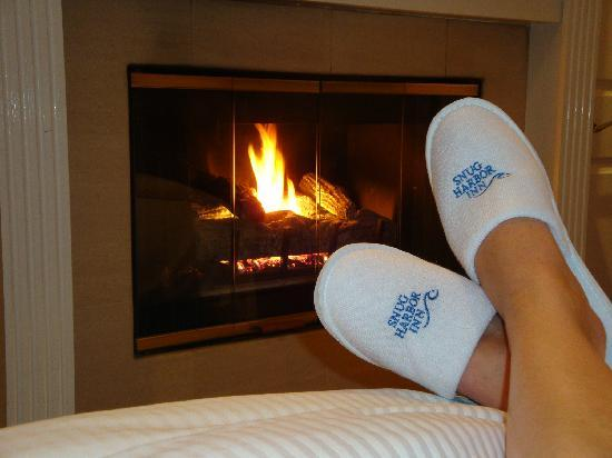 Snug Harbor Inn : My awesome new slippers.