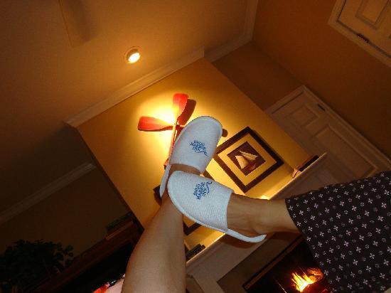 Snug Harbor Inn : One more slipper shot.