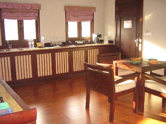 Novotel Samui Resort Chaweng Beach Kandaburi : Kitchen in the family suite