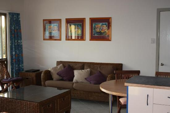 Coral Point Lodge : The lounge room