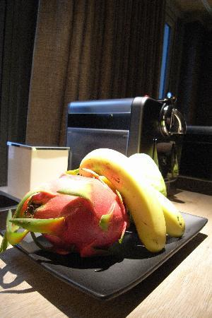 HOTEL QUOTE Taipei: Free fruits and Nespresso Machine