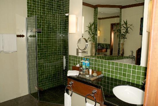 Borei Angkor Resort & Spa : large bathroom