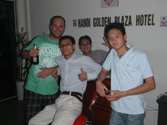 Hanoi Golden Plaza Hotel: Me & staff