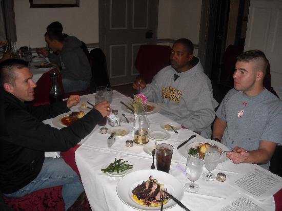 Inn at Herr Ridge Restaurant: Good food good conversation.