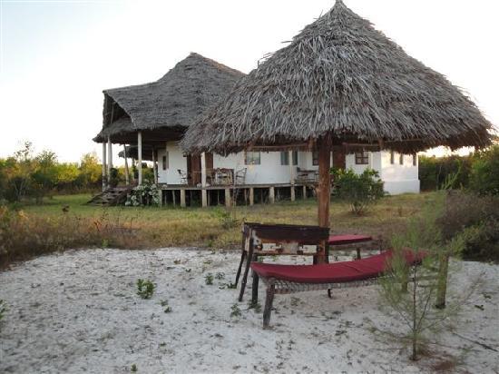 Zanzibar Villas : private mini beach infront of villa