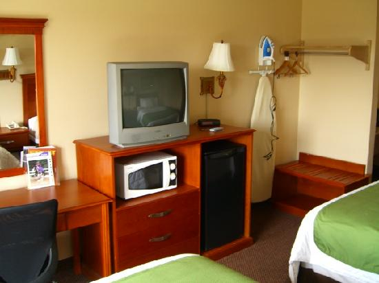Super 8 Georgetown: TV, fridge, microwave