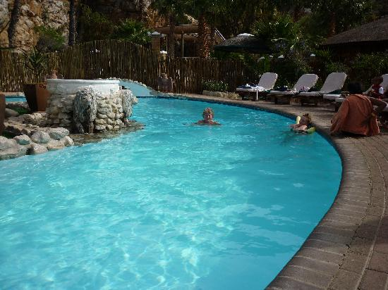 Avalon Springs: Residents Pool