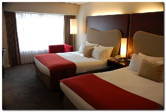 Crowne Plaza Auckland: Very comfortable beds with pillow choice
