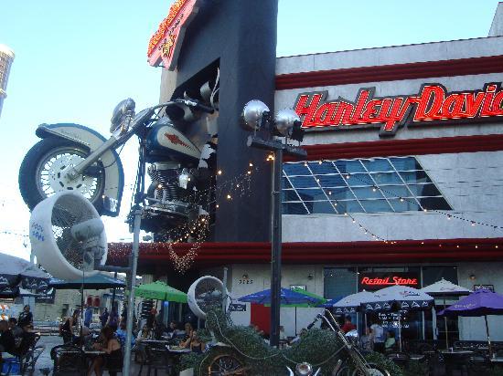 Harley Davidson Las Vegas Cafe: The Entrance