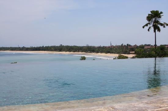 Four Seasons Resort Bali at Jimbaran Bay: view from main pool