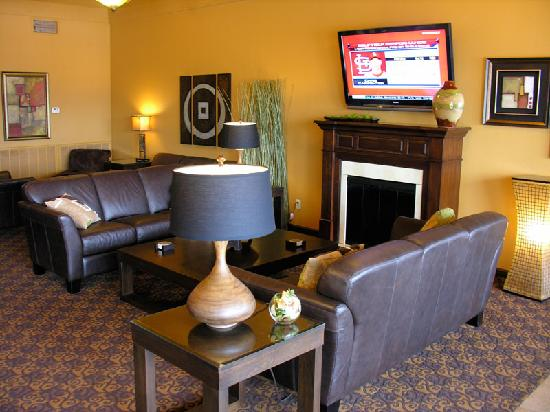 Fortune Inn & Suites : Lobby