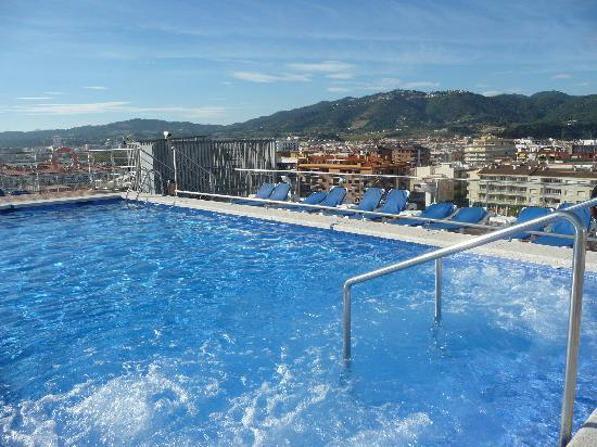 H·TOP Pineda Palace: Rooftop pool