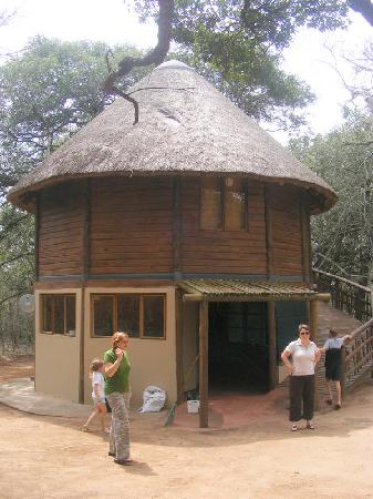 Bonamanzi Game Reserve: One of the tree houses