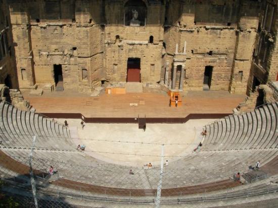 El teatro antiguo de Orange Del siglo I,es uno de los teatros romanos mejor conservado del mundo