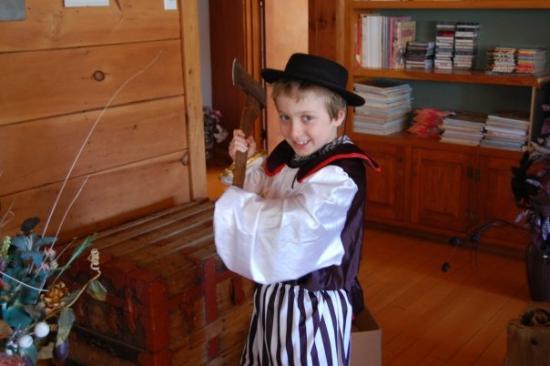 Saint Jerome, Canada: dangereux un enfant avec une hache...non non