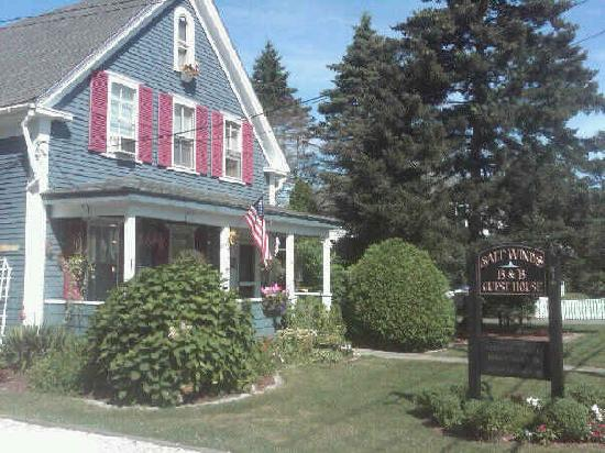 Saltwinds Bed & Breakfast: Front of the B&B