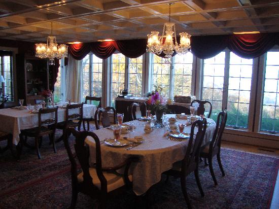 Chateau on the Mountain: breakfast