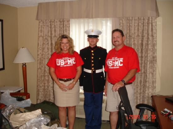 Hilton Garden Inn Hilton Head: Bringing our Marine home.  Hilton was the first comfortable bed he slept in!