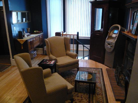 Old Chicago Inn: Main lobby and breakfast area