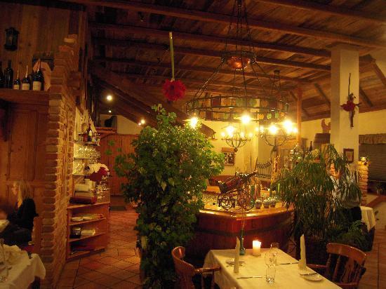 Illmitz, النمسا: inside restaurant