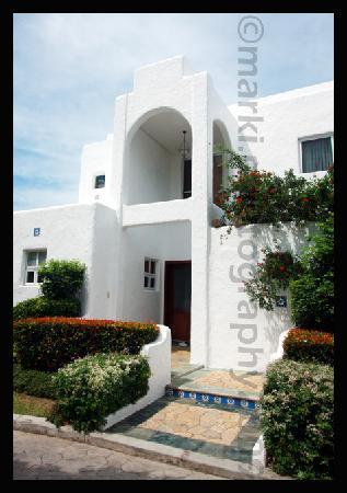 Bellarocca Island Resort and Spa: Just one of their many Greek-inspired villas