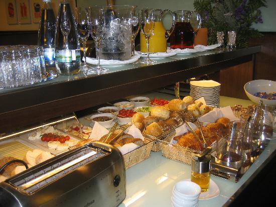 K+K Hotel Elisabeta: Breakfast Buffet