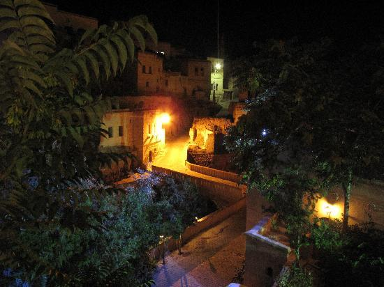 Gamirasu Cave Hotel: view from the terrace