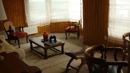 Keoken Patagonia Bed & Breakfast: Sala de estar