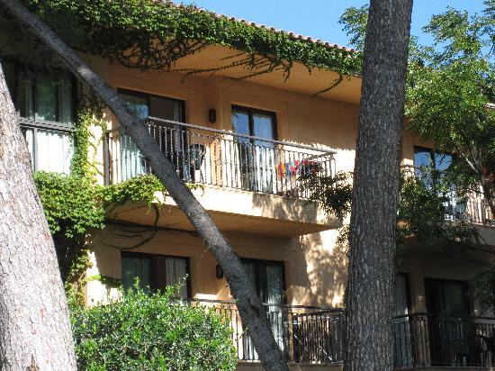 Vell Mari Hotel & Resort : Haus 1 mit Blick zum Pool