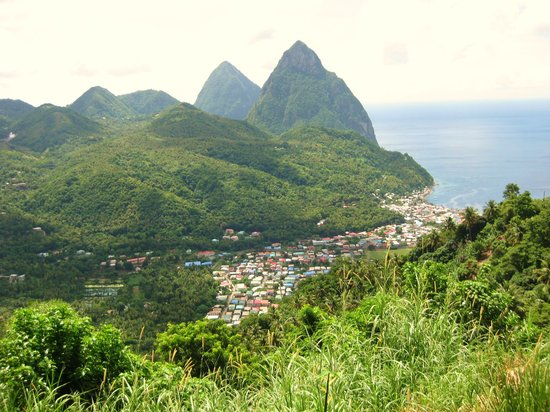 Fabian Tours: Piton Mountains
