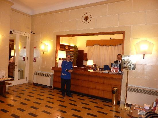 โรงแรมเบตโตคา แอตลานติโก: Helpful & friendly front desk staff