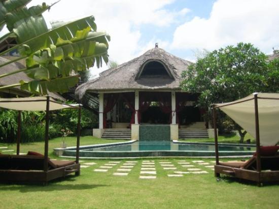 Les jardins de l 39 h tel villa avec notre chambre derri re Hotel les jardins de la villa tripadvisor