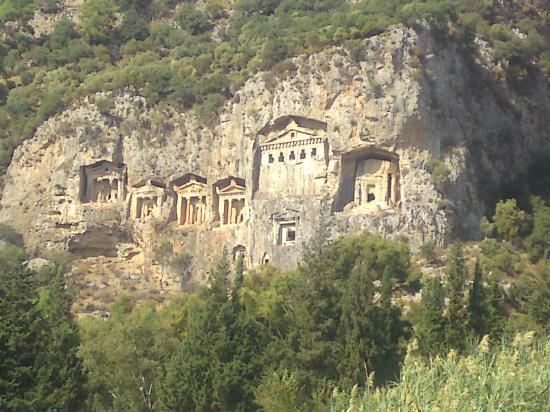 Turunc Hotel: The Tombs