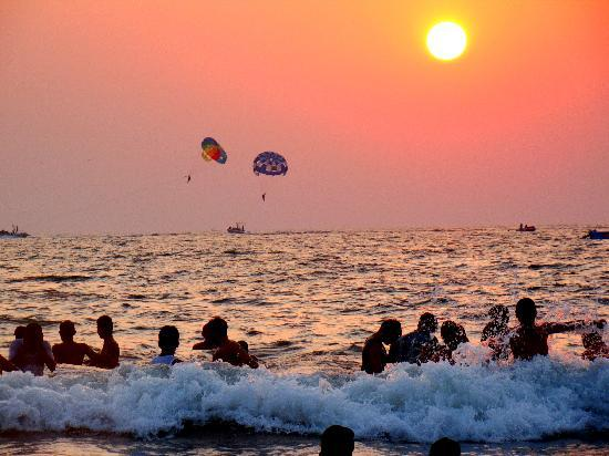 Calangute Residency: personalized beach - Calangute at sunset