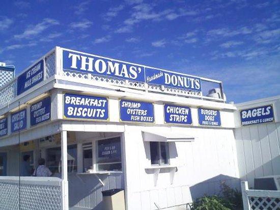 Thomas Donut & Snack shop: Thomas' Donuts
