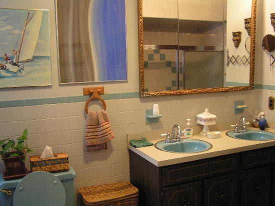 Seventh Street B&B: Bathroom