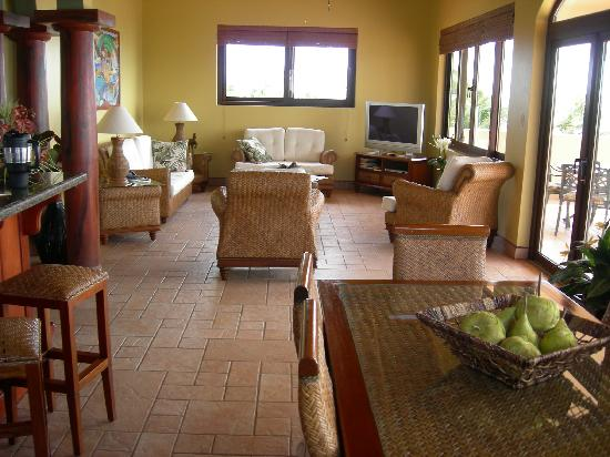 Coco Beach Resort: Penthouse suite Living Room