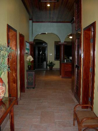 Coco Beach Resort: Entrance to the Penthouse Suite