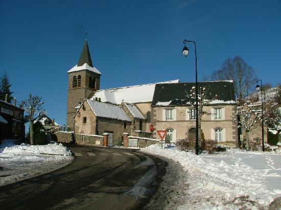 La Bourboule, Francia: L'église de Murat le Quaire hiver 2008