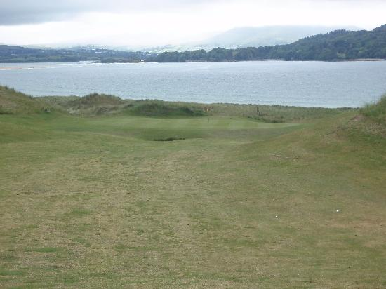 Rosapenna Golf Links: Green by the ocean