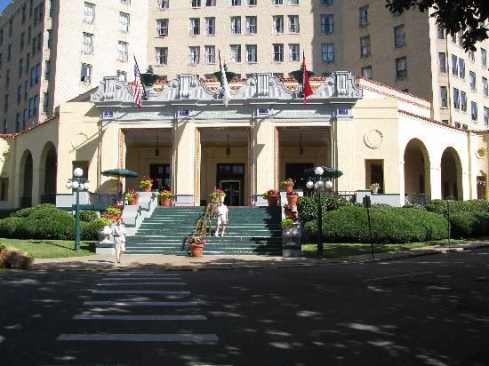 Arlington Resort Hotel & Spa: Main entrance