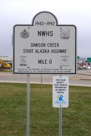 Dawson Creek, Kanada: Mile 0 Marker of Alaska Highway