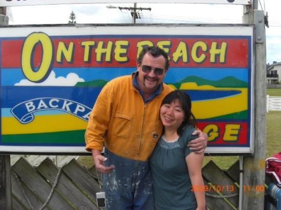 ออน เดอะ บีช แบ็คแพ็คเกอร์: on the beach backpackers