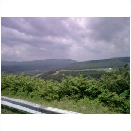 Berkeley Springs, Virginia Occidental: view from panorama at the peak