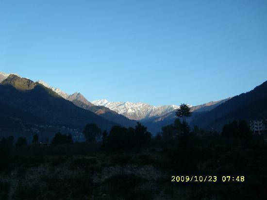 Royal Park Resort : View of snow mountain from hotel balcony