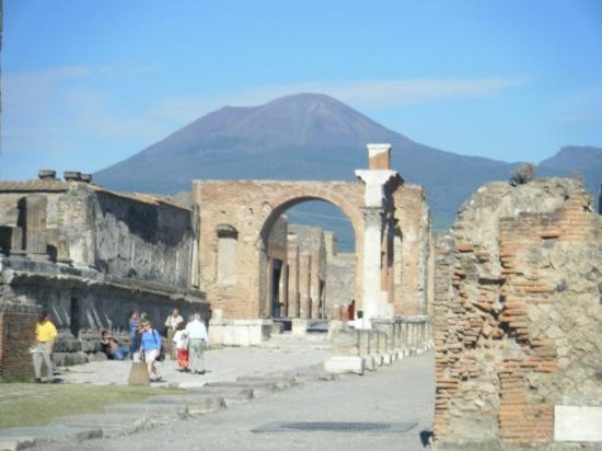 Forum: Vesuvius